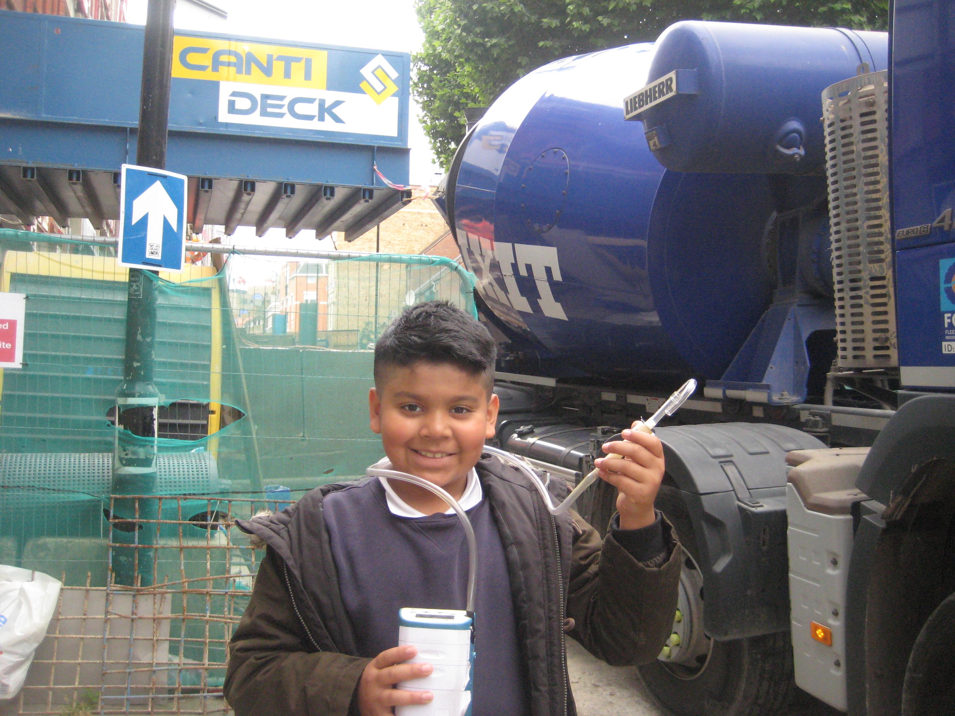 School kids monitoring pollution